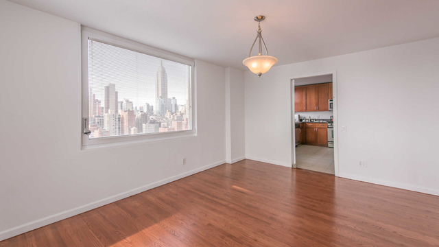 3 Bedrooms, Rose Hill Rental in NYC for $6,090 - Photo 2