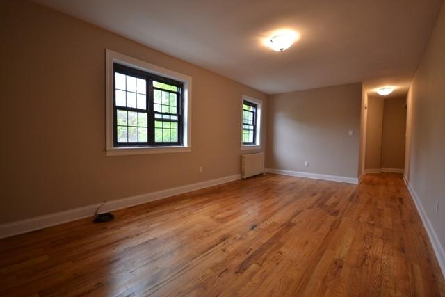 2 Bedrooms, Kew Gardens Hills Rental in NYC for $2,100 - Photo 1