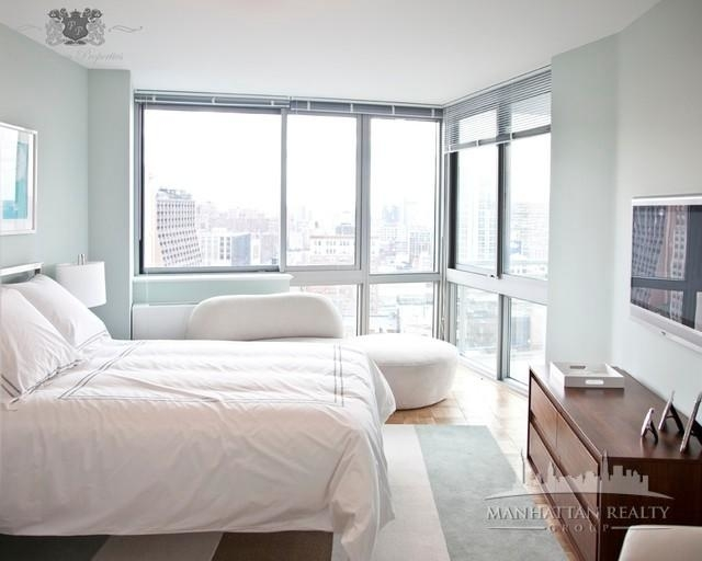 2 Bedrooms, Hell's Kitchen Rental in NYC for $5,775 - Photo 2