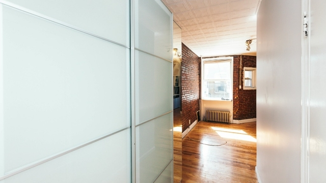 3 Bedrooms, Greenpoint Rental in NYC for $3,495 - Photo 2