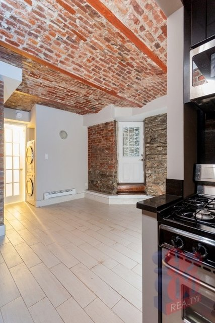 2 Bedrooms, Gramercy Park Rental in NYC for $3,764 - Photo 2