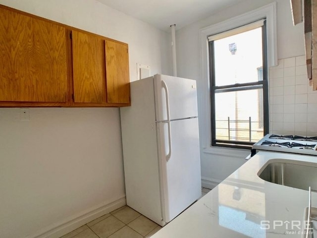 2 Bedrooms, Astoria Rental in NYC for $1,950 - Photo 2