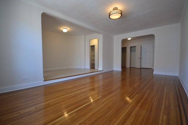 2 Bedrooms, Rego Park Rental in NYC for $2,800 - Photo 2
