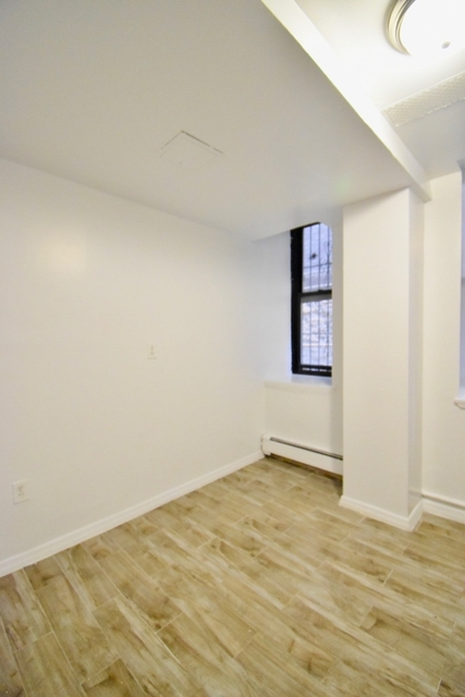 3 Bedrooms, Morningside Heights Rental in NYC for $3,700 - Photo 2