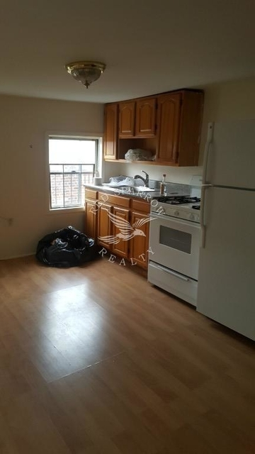 2 Bedrooms, North Slope Rental in NYC for $2,375 - Photo 2