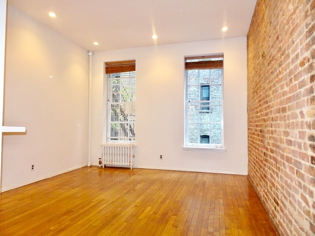 Studio, Yorkville Rental in NYC for $2,090 - Photo 1