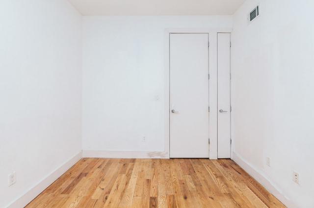Room, Ridgewood Rental in NYC for $850 - Photo 2
