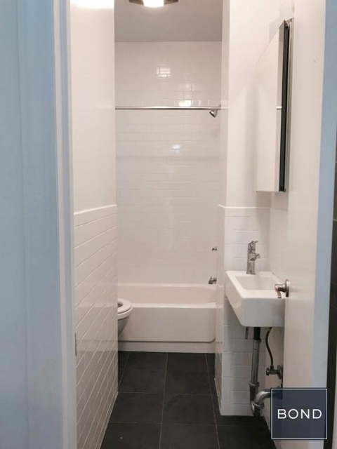 2 Bedrooms, Hudson Square Rental in NYC for $3,850 - Photo 1