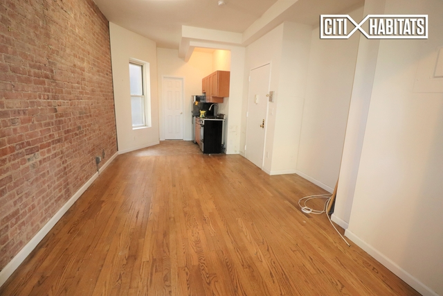 1 Bedroom, Yorkville Rental in NYC for $2,770 - Photo 2