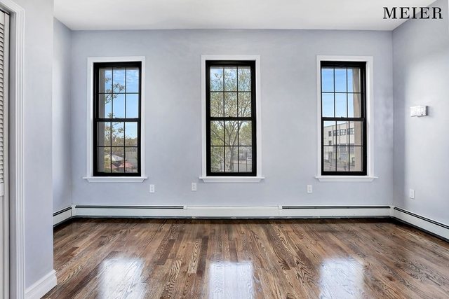3 Bedrooms, Bushwick Rental in NYC for $3,107 - Photo 2
