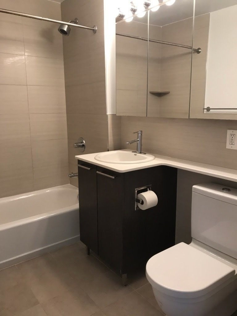 3 Bedrooms, Tribeca Rental in NYC for $7,500 - Photo 2