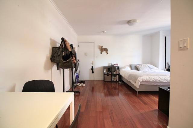 Studio, Yorkville Rental in NYC for $2,575 - Photo 2