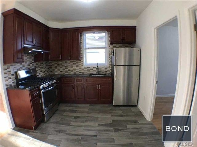 2 Bedrooms, South Corona Rental in NYC for $2,100 - Photo 2