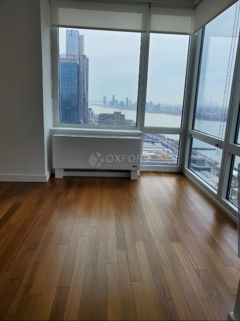 2 Bedrooms, Hell's Kitchen Rental in NYC for $4,800 - Photo 1