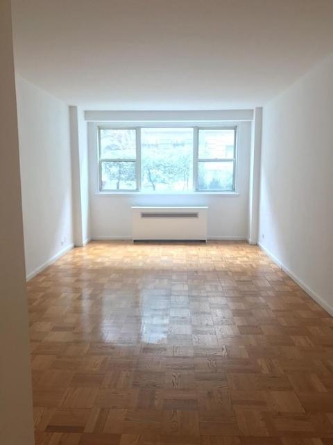 Studio, Yorkville Rental in NYC for $2,595 - Photo 2