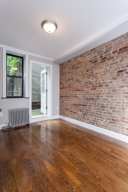 3 Bedrooms, Lower East Side Rental in NYC for $5,073 - Photo 2