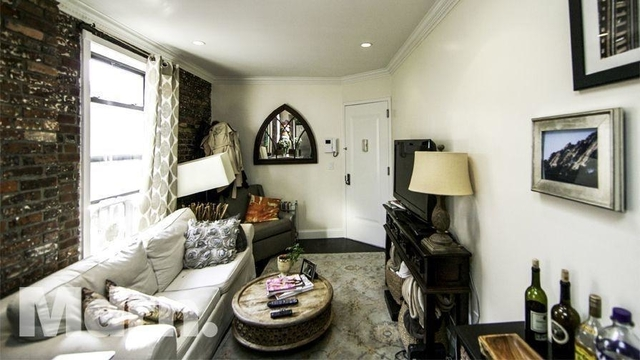 3 Bedrooms, Gramercy Park Rental in NYC for $5,100 - Photo 2