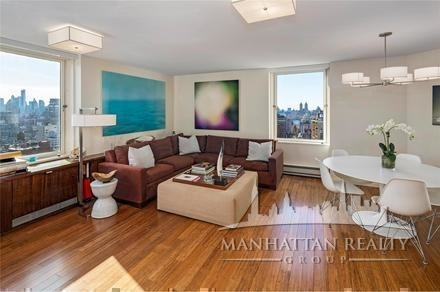 3 Bedrooms, Yorkville Rental in NYC for $4,900 - Photo 2