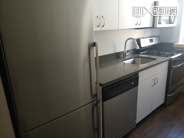 2 Bedrooms, Chelsea Rental in NYC for $9,300 - Photo 2
