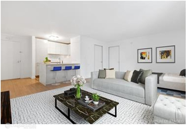 Studio, Hell's Kitchen Rental in NYC for $3,500 - Photo 2