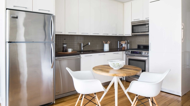 2 Bedrooms, Murray Hill Rental in NYC for $5,825 - Photo 2