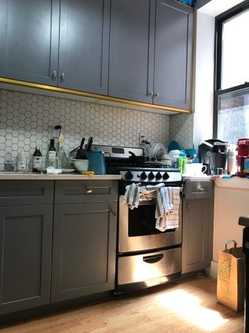 3 Bedrooms, Williamsburg Rental in NYC for $5,475 - Photo 2