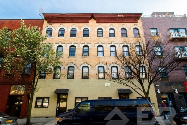 3 Bedrooms, Williamsburg Rental in NYC for $5,475 - Photo 1
