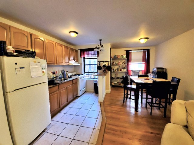 2 Bedrooms, Lenox Hill Rental in NYC for $2,250 - Photo 2