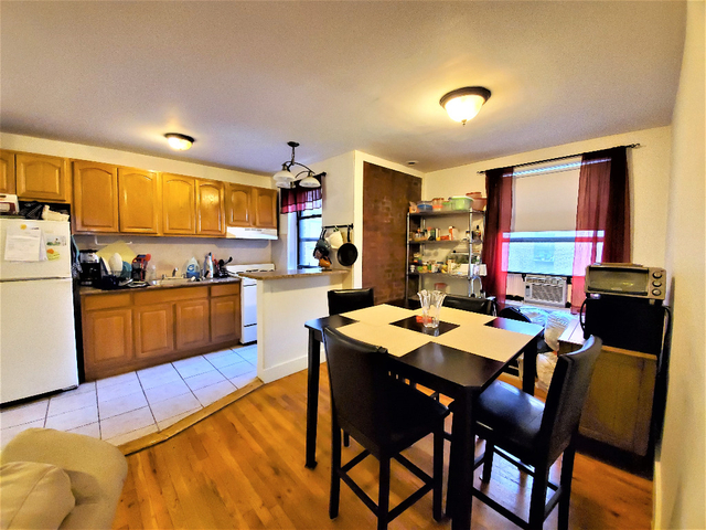 2 Bedrooms Lenox Hill Rental In Nyc For 250 Photo 1