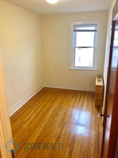 3 Bedrooms, Ridgewood Rental in NYC for $2,498 - Photo 2