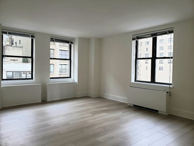 2 Bedrooms, Gramercy Park Rental in NYC for $4,370 - Photo 2