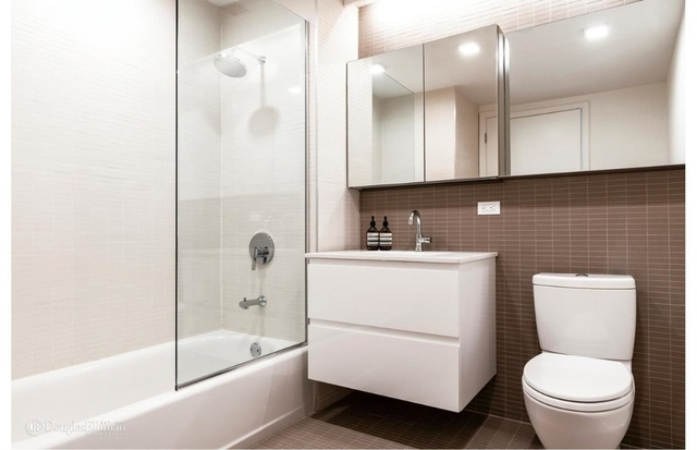 2 Bedrooms, Hunters Point Rental in NYC for $3,600 - Photo 2