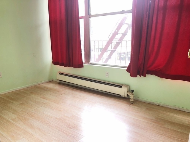 3 Bedrooms, Astoria Rental in NYC for $2,200 - Photo 2