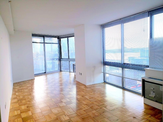 3 Bedrooms, Hell's Kitchen Rental in NYC for $5,100 - Photo 1