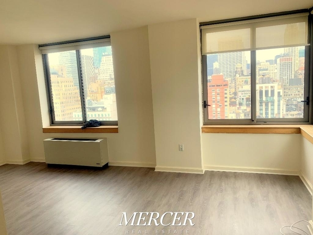 at West 33rd Street - Photo 1