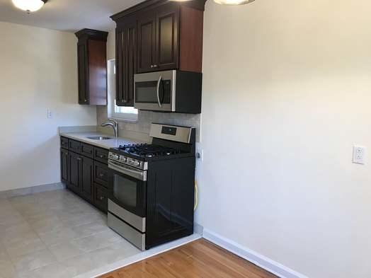 2 Bedrooms, Astoria Heights Rental in NYC for $2,200 - Photo 2