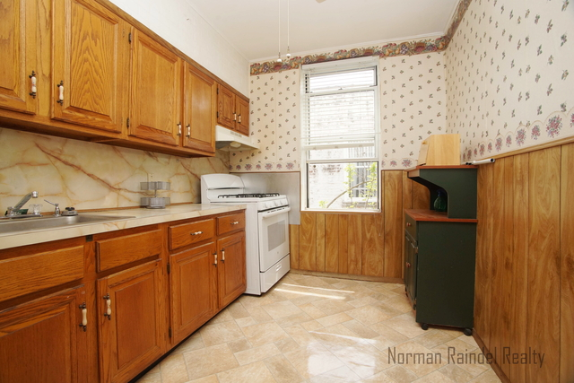 2 Bedrooms, Borough Park Rental in NYC for $1,750 - Photo 1