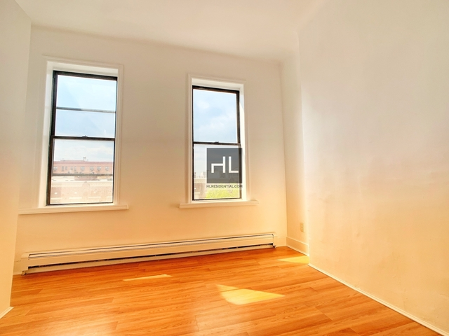 3 Bedrooms, Bushwick Rental in NYC for $1,950 - Photo 1
