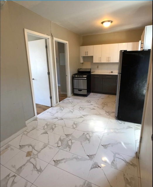 2 Bedrooms, Borough Park Rental in NYC for $1,975 - Photo 2