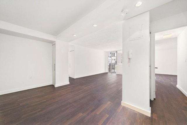 2 Bedrooms, Rose Hill Rental in NYC for $6,075 - Photo 2