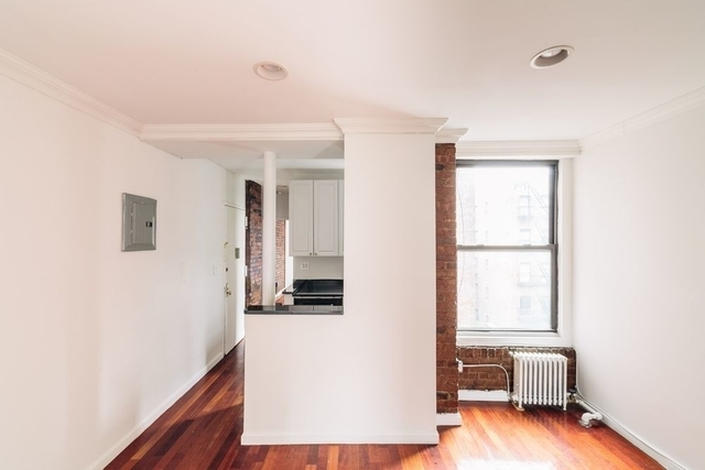 3 Bedrooms, Midtown East Rental in NYC for $6,095 - Photo 2