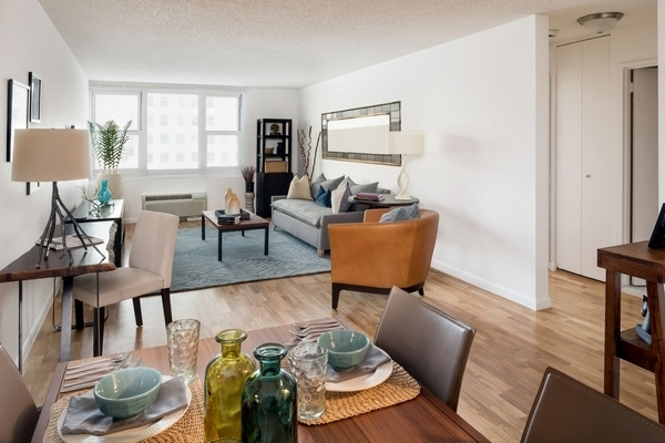2 Bedrooms, Battery Park City Rental in NYC for $6,010 - Photo 2