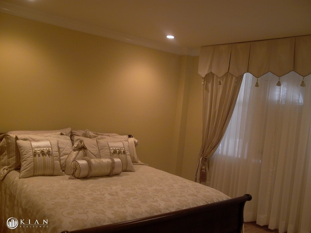 2 Bedrooms, Williamsbridge Rental in NYC for $2,300 - Photo 2