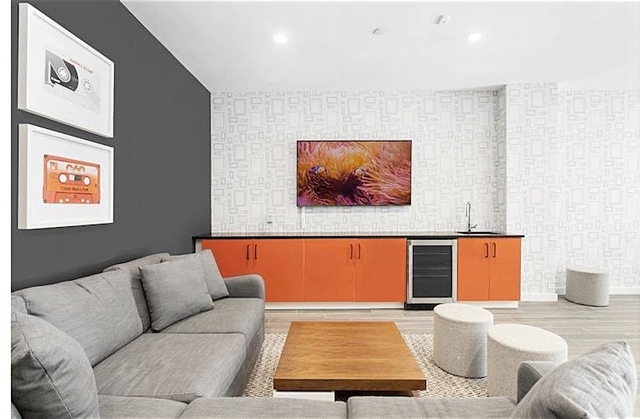 2 Bedrooms, Williamsburg Rental in NYC for $3,395 - Photo 2