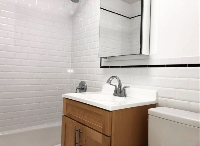 Studio, Sutton Place Rental in NYC for $2,595 - Photo 2