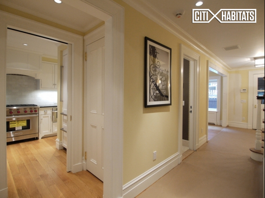3 Bedrooms, East Village Rental in NYC for $12,000 - Photo 2