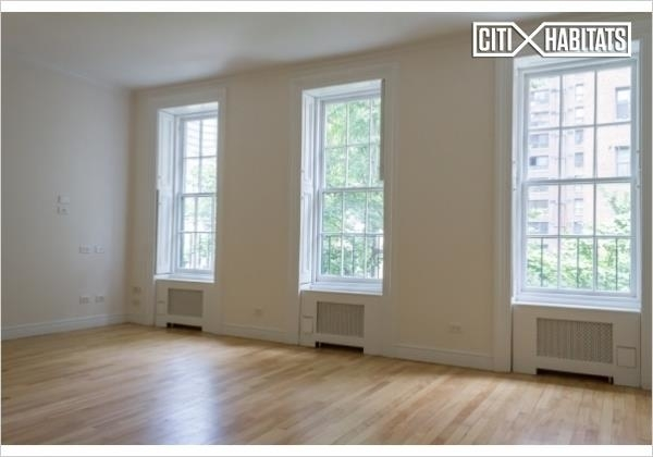 4 Bedrooms, East Village Rental in NYC for $11,000 - Photo 1