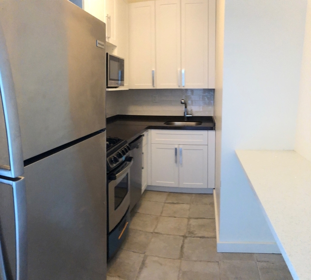 2 Bedrooms, Financial District Rental in NYC for $3,075 - Photo 1