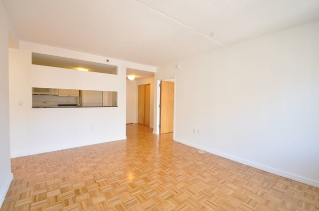 2 Bedrooms, Hell's Kitchen Rental in NYC for $4,200 - Photo 1