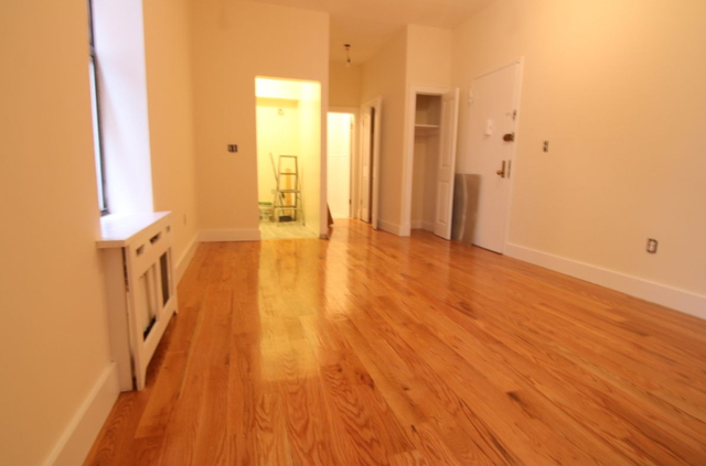 Studio, Upper West Side Rental in NYC for $2,195 - Photo 2